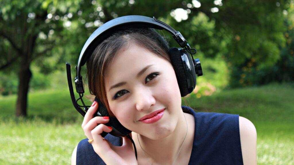 un slogan musical devient un tube à force d'écoute répétitive