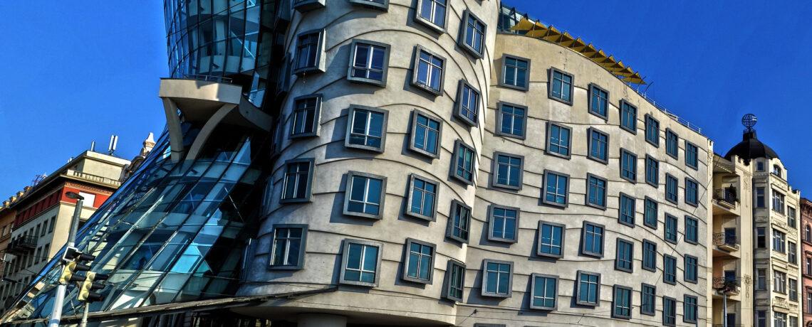 les bâtiments tordu ou penchés à Nantes